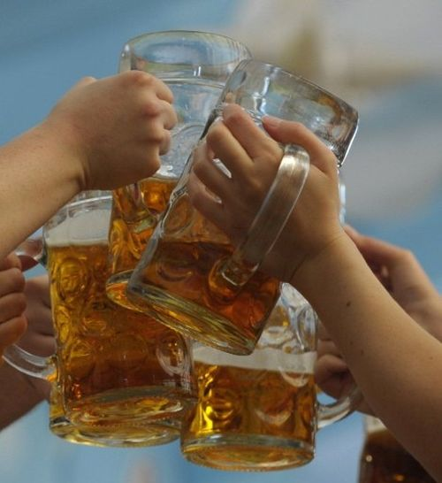 Hop, szklankę piwa!